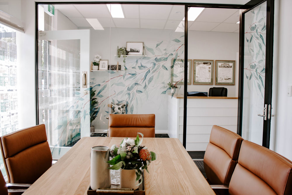 Studio McQueen Interiors |Melinda McQueen Perth interior designer |Earnshaws Realestate Perth Commercial Office Fitout | Boardroom design